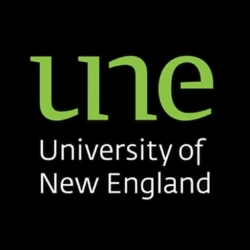 University of New England Scholarship programs